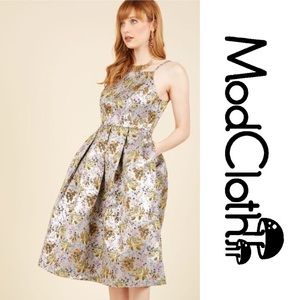 ModCloth Ritz and Wisdom Silver A-Line Dress Sz M